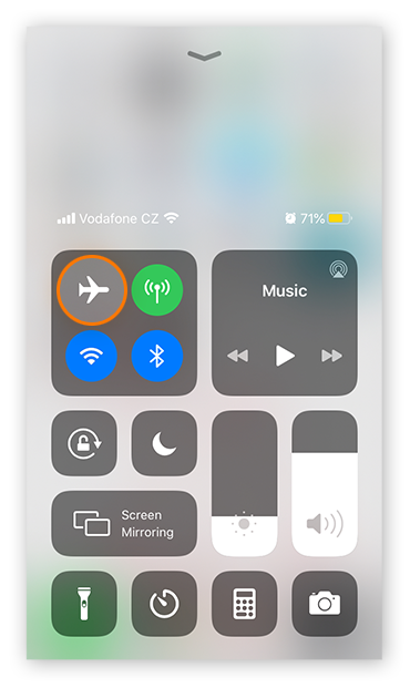 Activating Airplane Mode in the Control Center on iOS 13.4.1