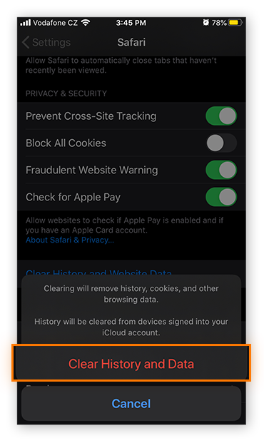 The confirmation prompt when clearing the history and website data in Safari in iOS 13.4.1