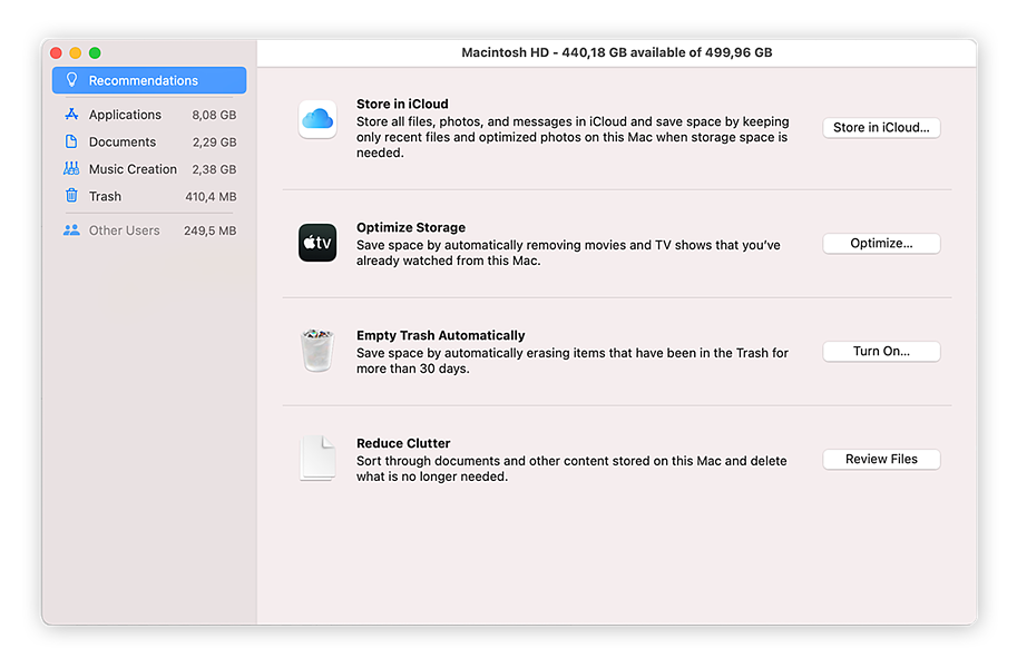 Optimizing storage to clear out large files and free up disk space in macOS.