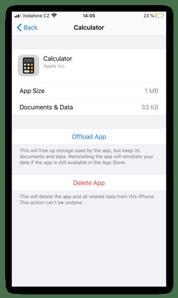 Capture d'écran des paramètres de la calculatrice de l'iPhone, pour illustrer les options Décharger l'application et Supprimer l'app.