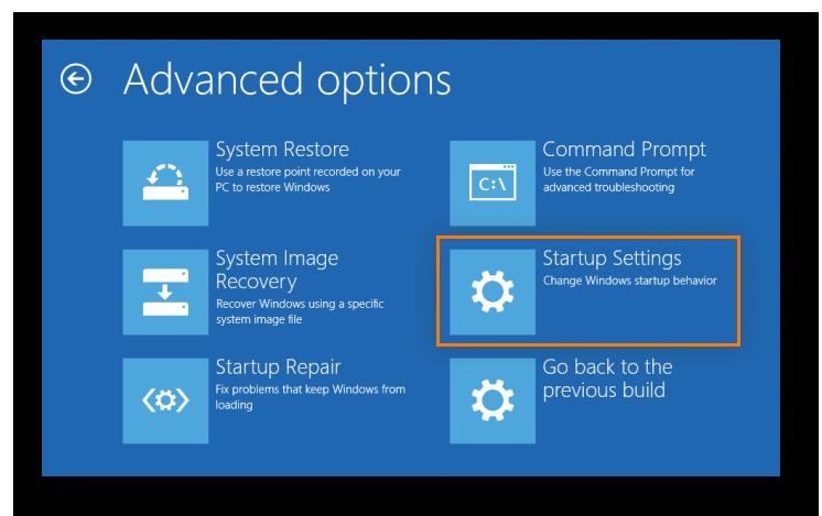 Cómo abrir el menú Configuración de Inicio durante el reinicio de Windows para reiniciar el equipo en modo seguro con funciones en red.