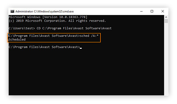 Scheduling a Boot-time Scan for Avast Free Antivirus within the Command Prompt interface of Windows 10 Safe Mode.